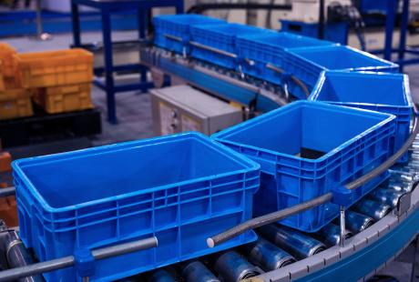 tracking returnable tote boxes on production line